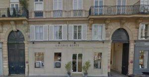 Immeubles sur le Quai Voltaire à Paris
